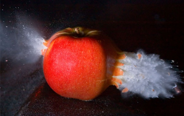 apple shot 50 Cool Examples of High speed Photography