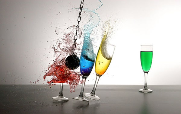 glass break 50 Cool Examples of High speed Photography