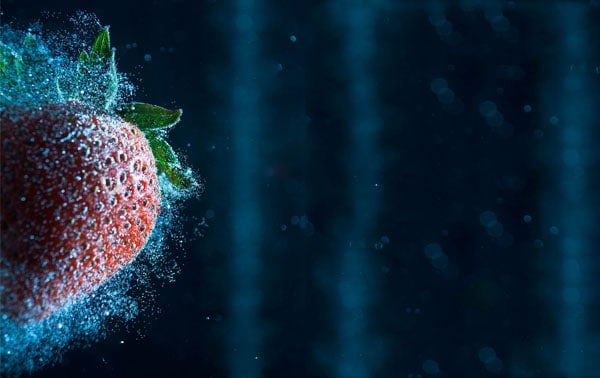 hint of strawberry 50 Cool Examples of High speed Photography