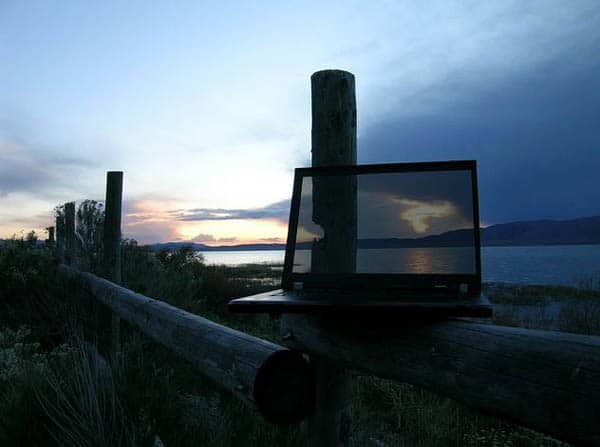 transparent_screen_photography9