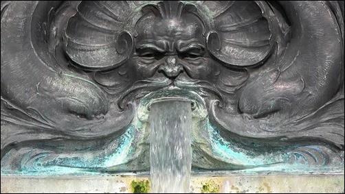 Scary-Fountain