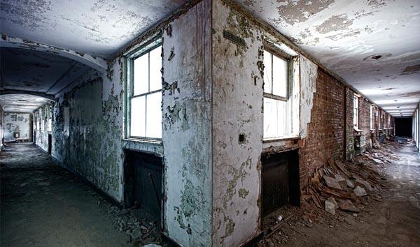 Corner Decay